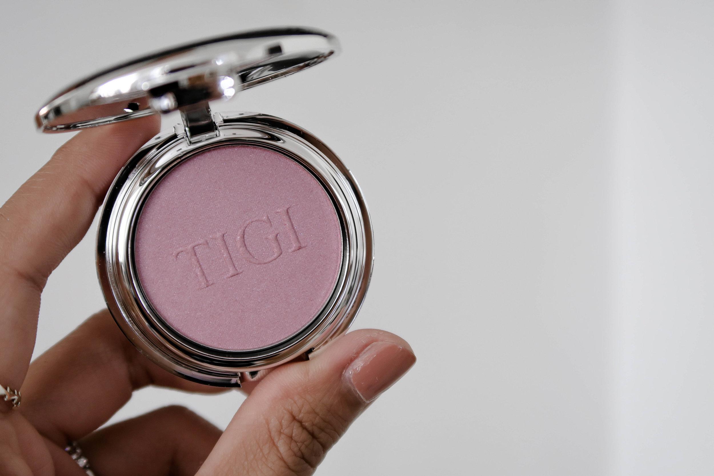 TIGI High Density Single Eyeshadow Orchid Pink