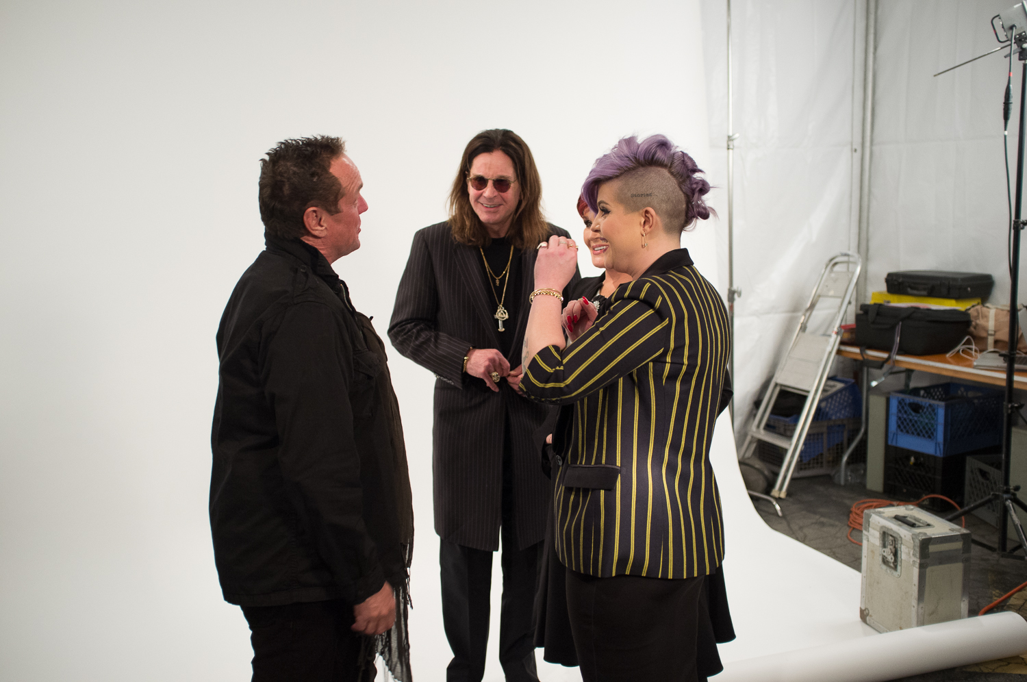 The Osbournes laugh at/with Ross Halfin.