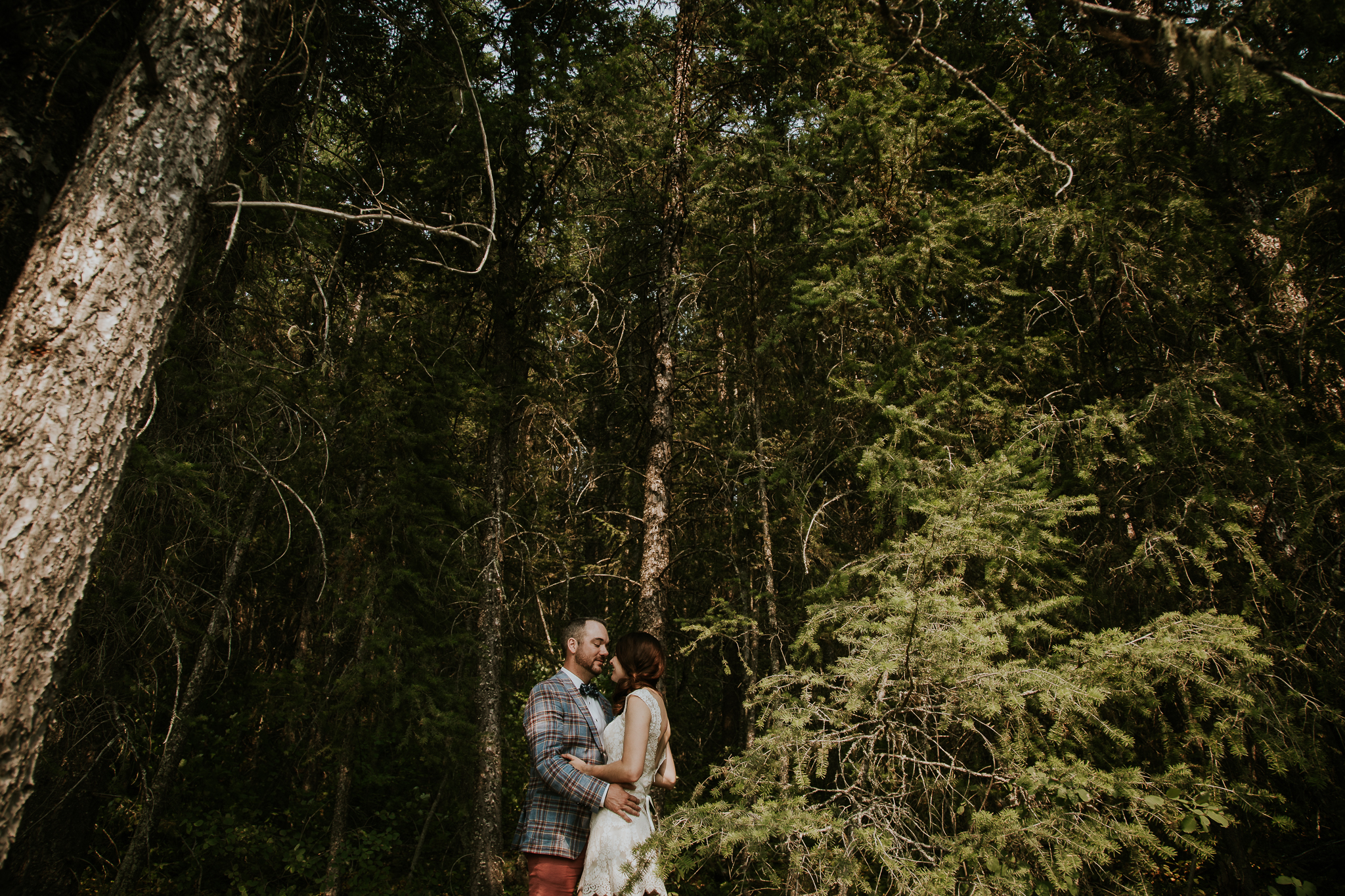 20170805-adventureelopementphotographercanada-canadaadventureelopement-adventureweddingphotographer-cedarlakewedding-goldenweddingphotographer-Rob and Dee-4433.jpg
