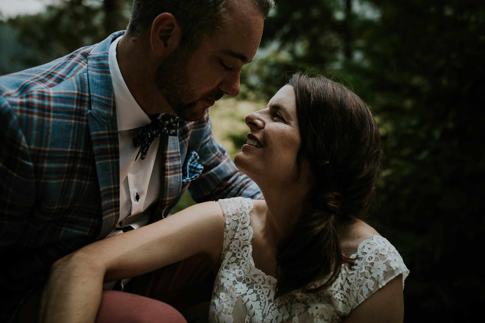 20170805-adventureelopementphotographercanada-canadaadventureelopement-adventureweddingphotographer-cedarlakewedding-goldenweddingphotographer-Rob and Dee-4658.jpg