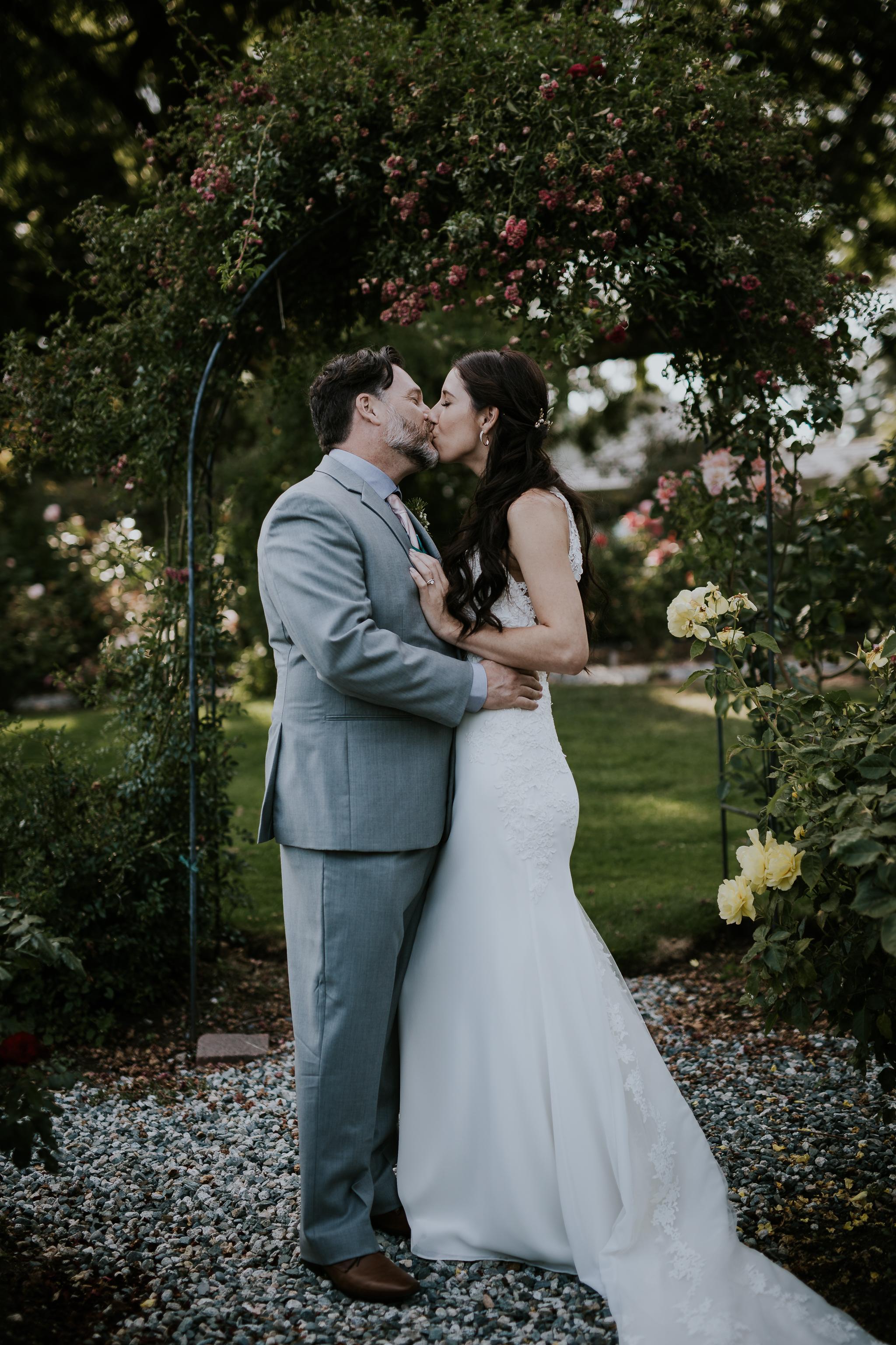 20170819-vancouver-island-elopement-photographer-Jen and Ken-0005.jpg