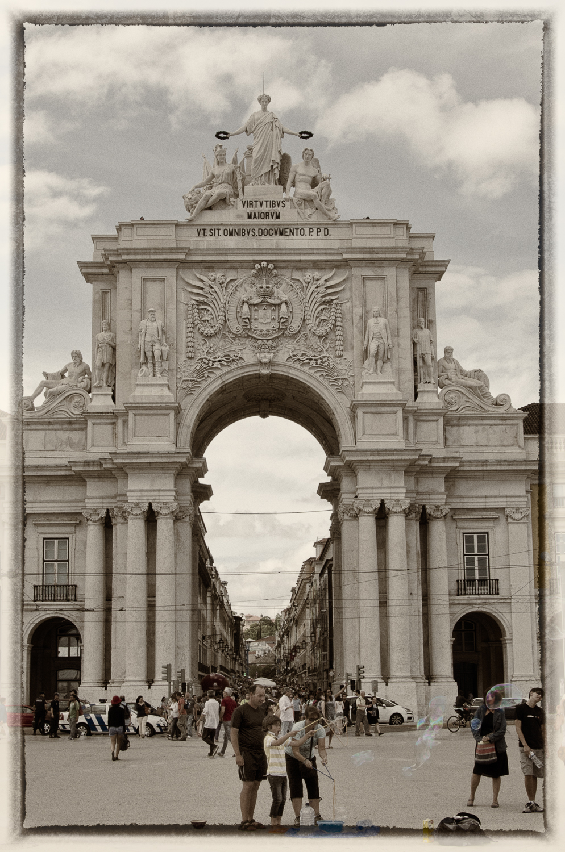 Rua Augusta Arch at Commerce Square