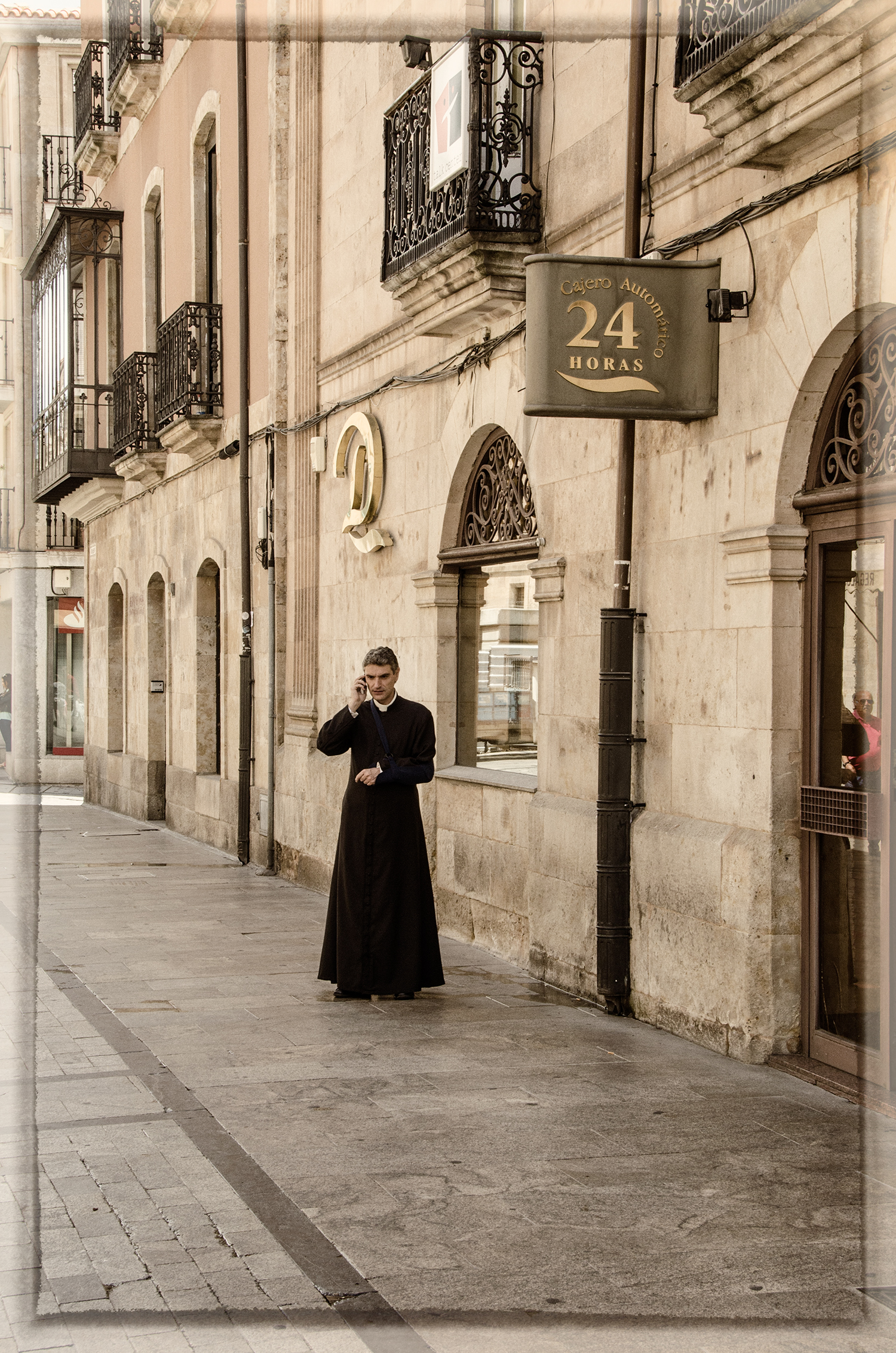 Priest With Cellphone, Salamanca