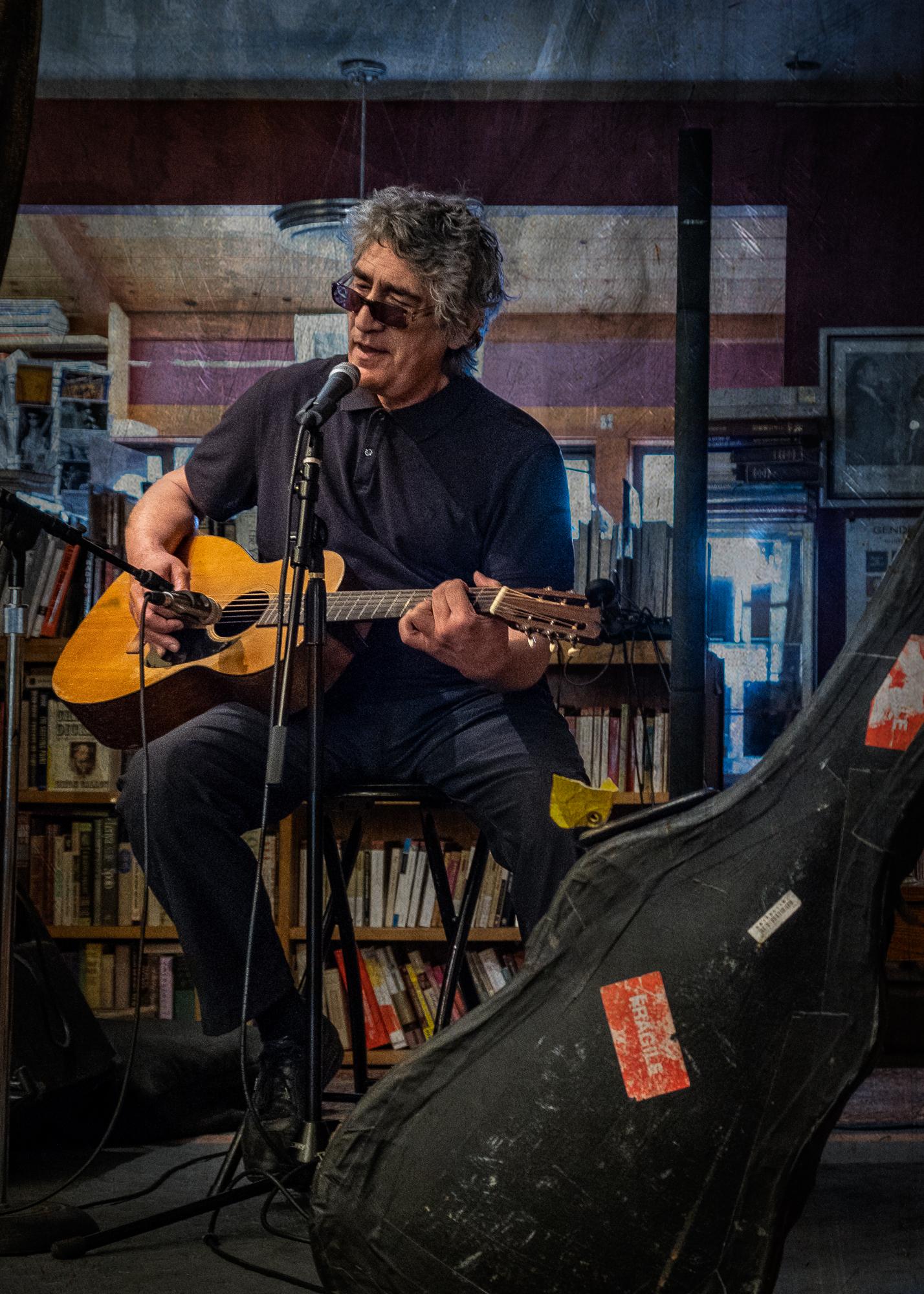 Poet-Singer/Songwriter Joseph Maviglia