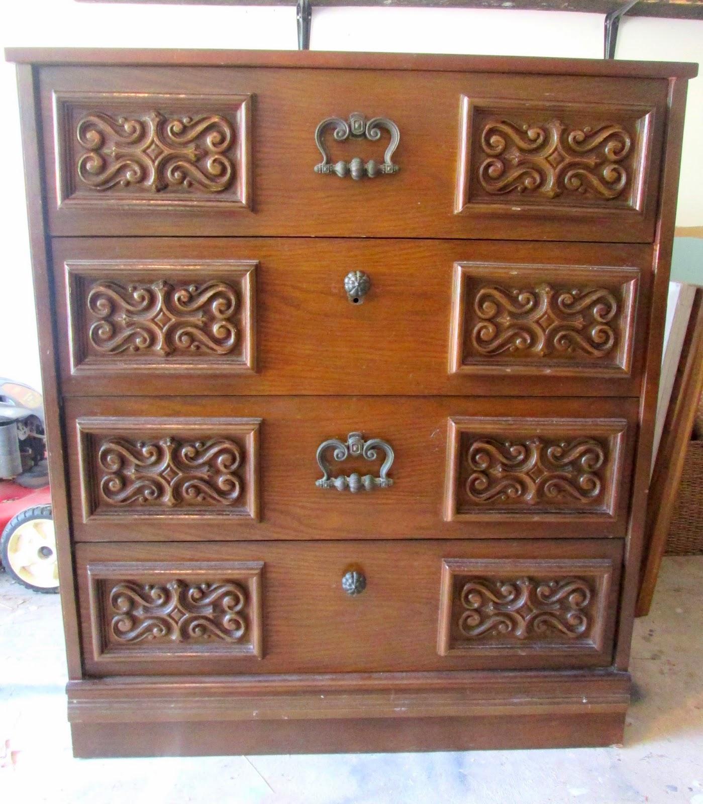 Vintage+dresser+before.jpg
