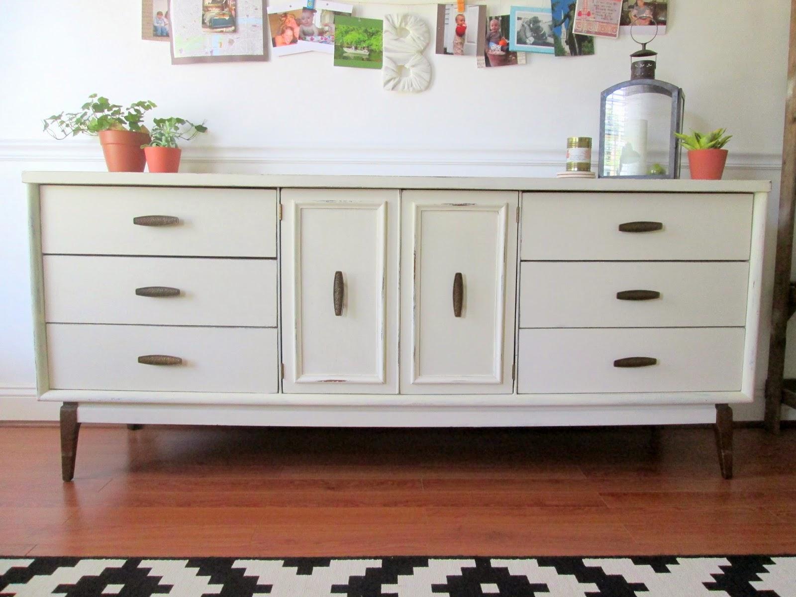 Old+White+MCM+sideboard7.jpg