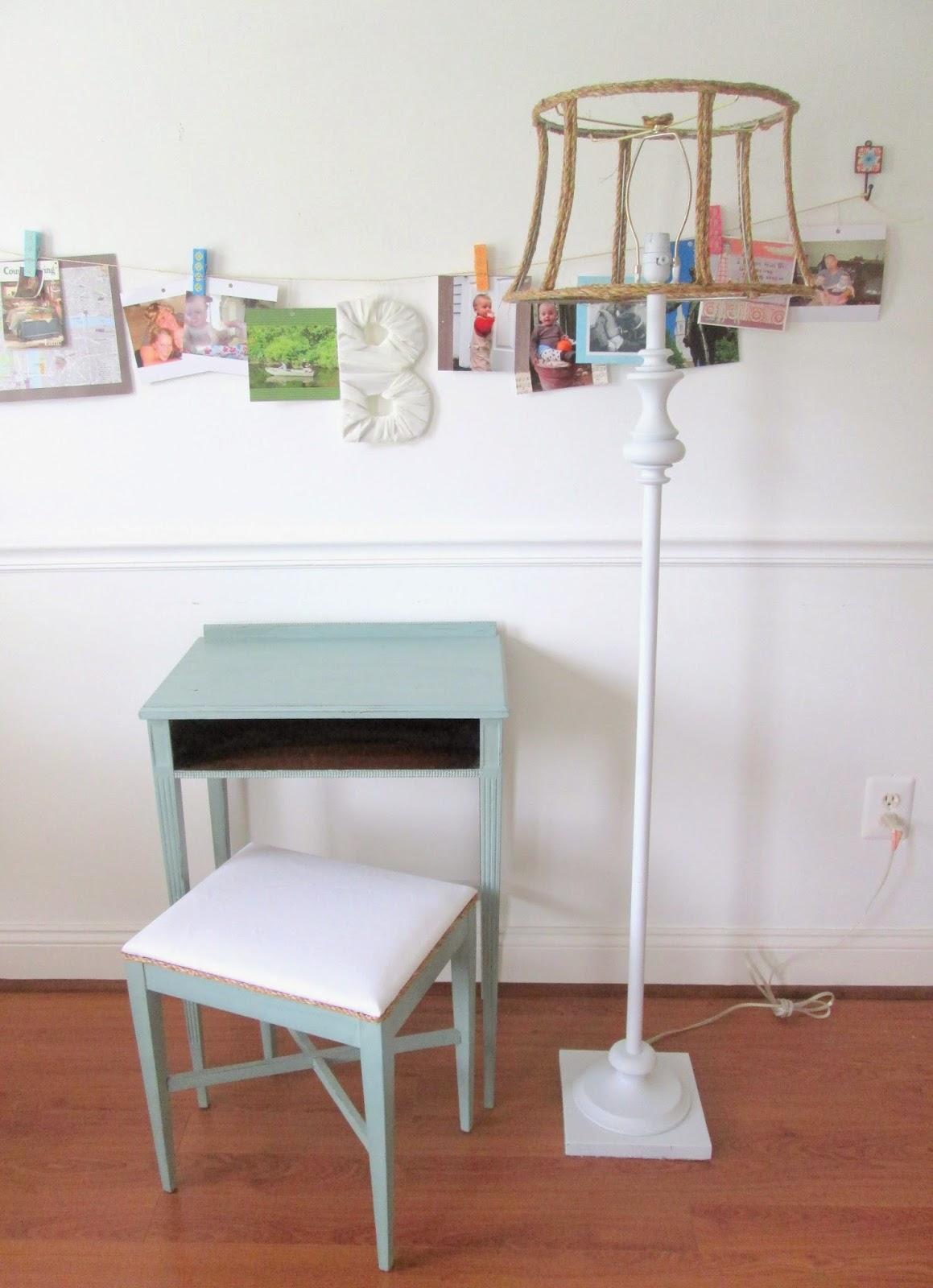 desk+and+lamp1.jpg