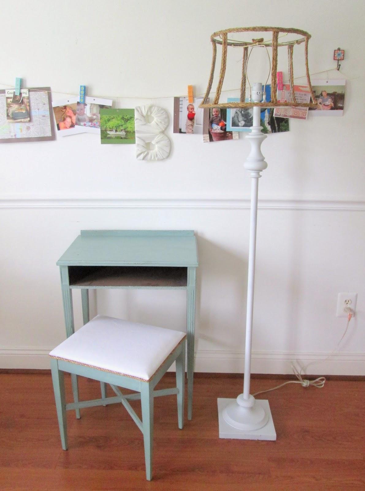desk+and+lamp9.jpg