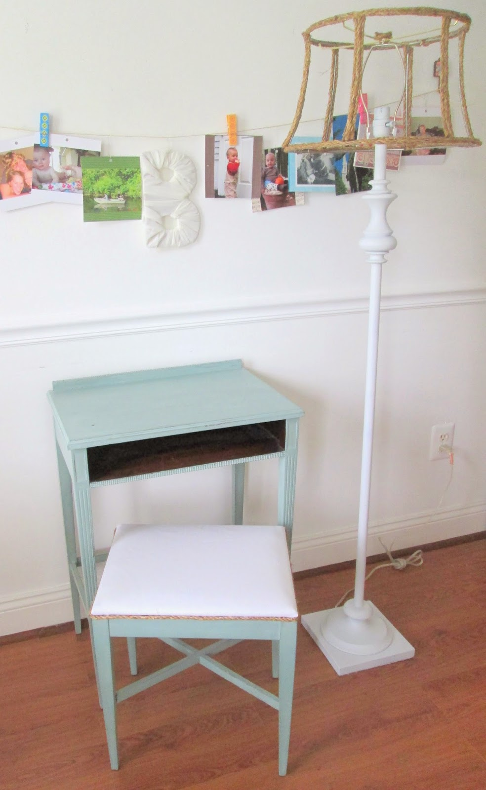 desk+and+lamp2.jpg