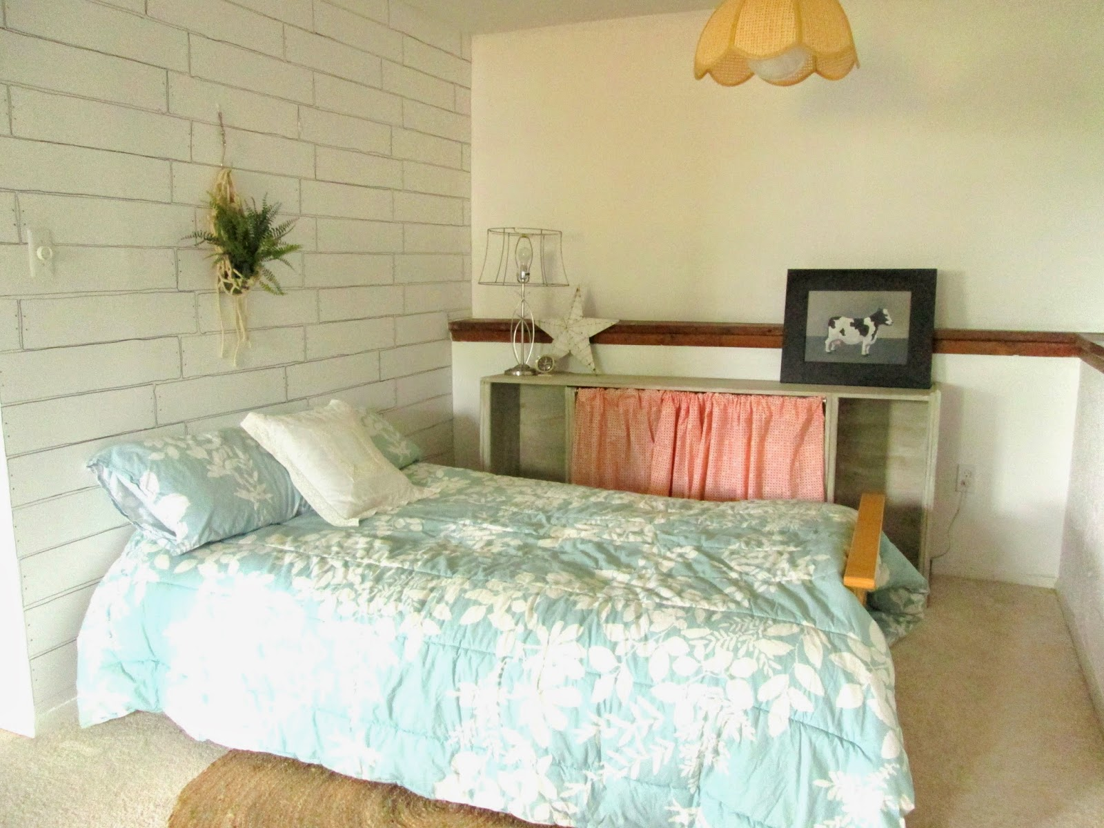 guest+room+wall2.jpg