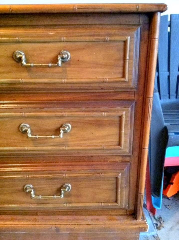 dresser+before02.jpg