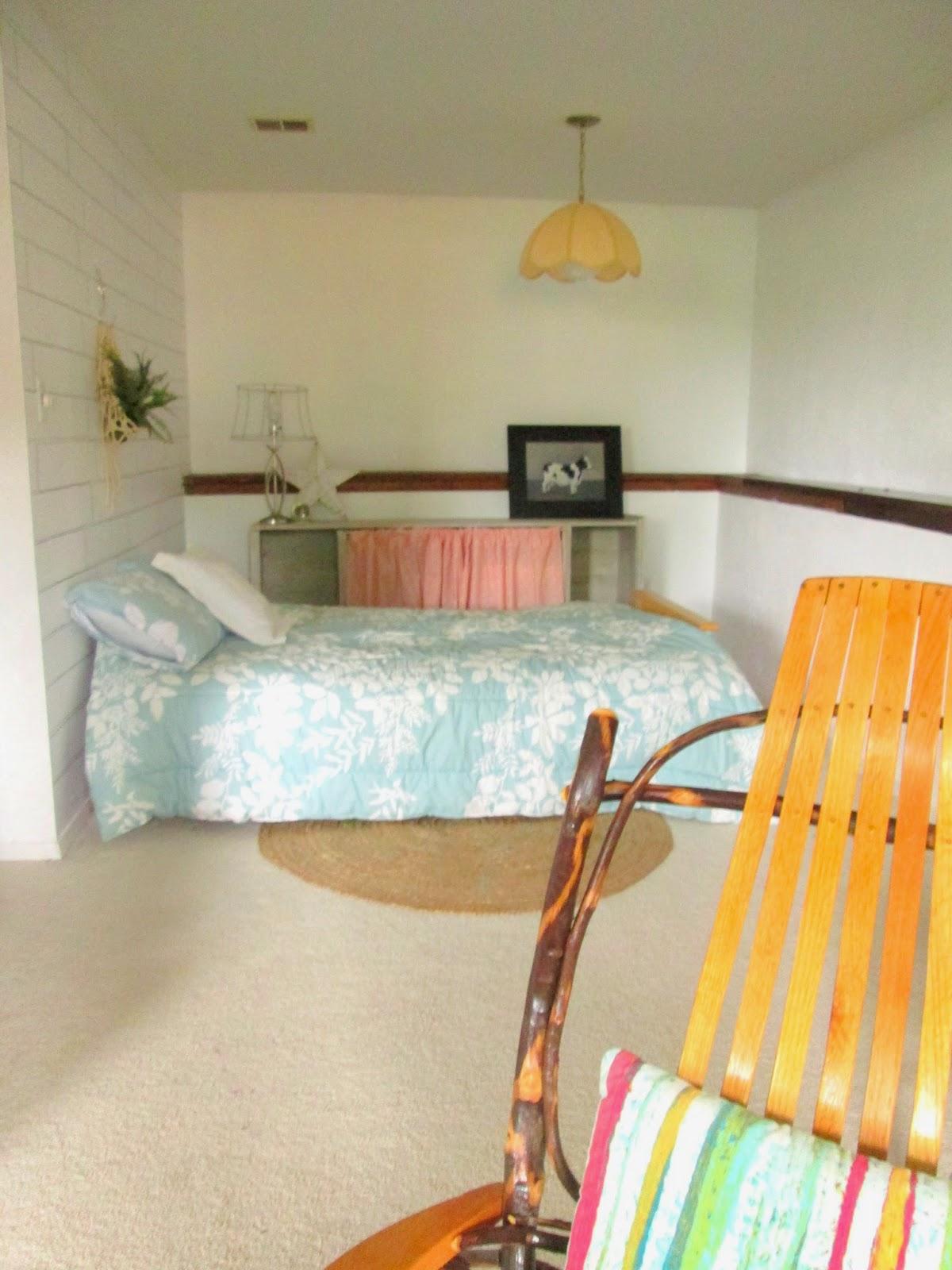 guest+room+wall1.jpg