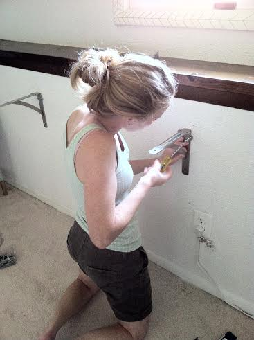 Again, a screwdriver is all you need for this job, no electric drill needed!