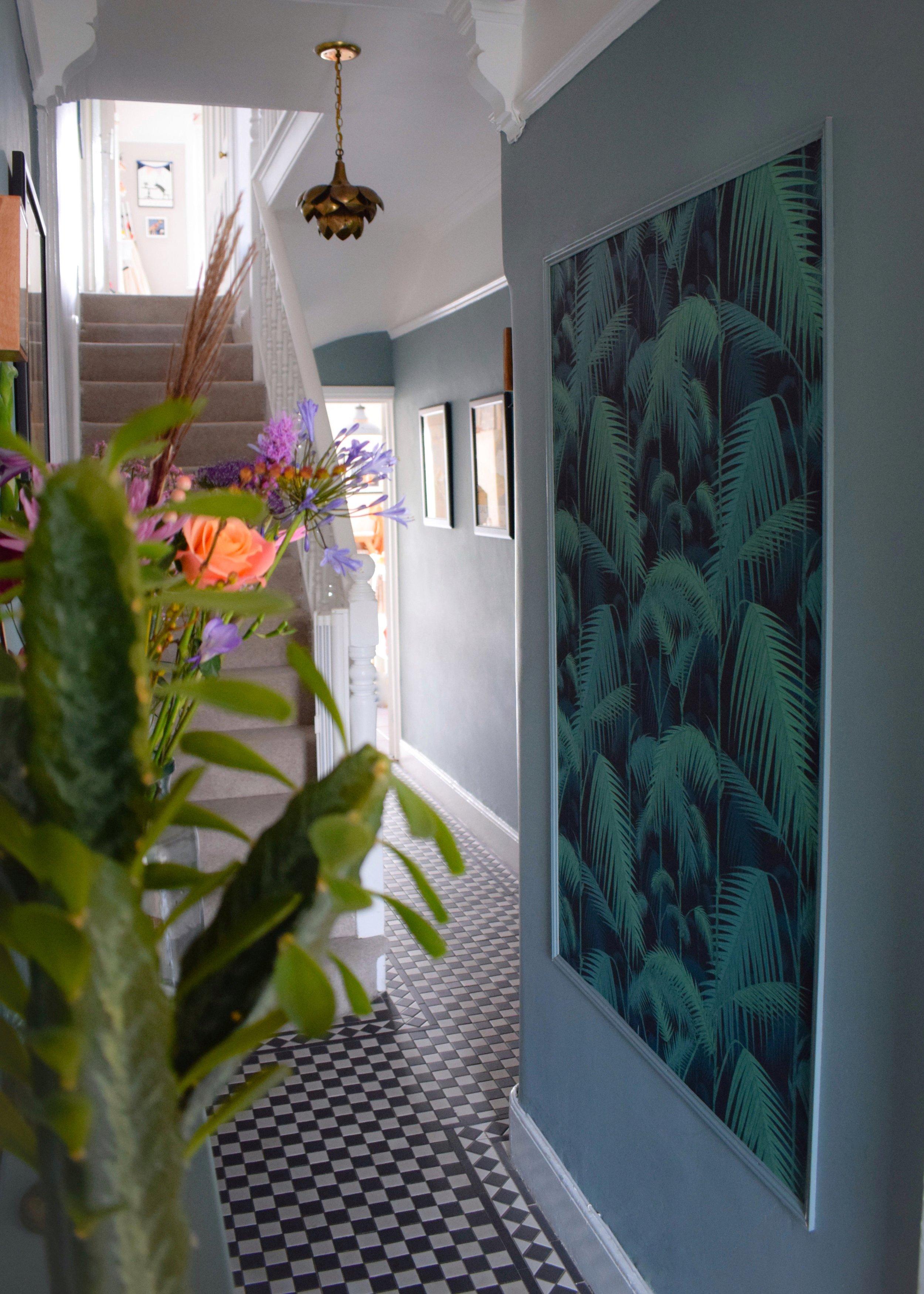 vintage bohemian eclectic style hallway interiors farrow ball oval room blue, cole son palm print wallpaper.jpg