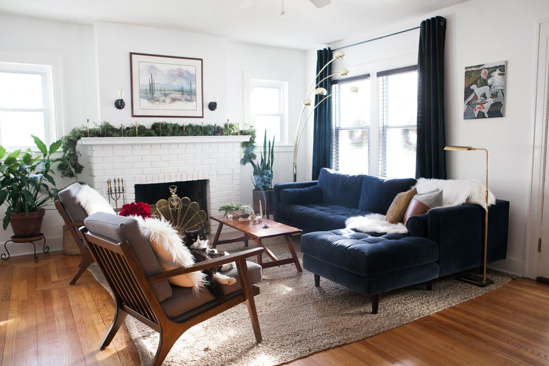 02_LivingRoom-Stylemutt-Home-Tour-Jessica-Brigham.jpg