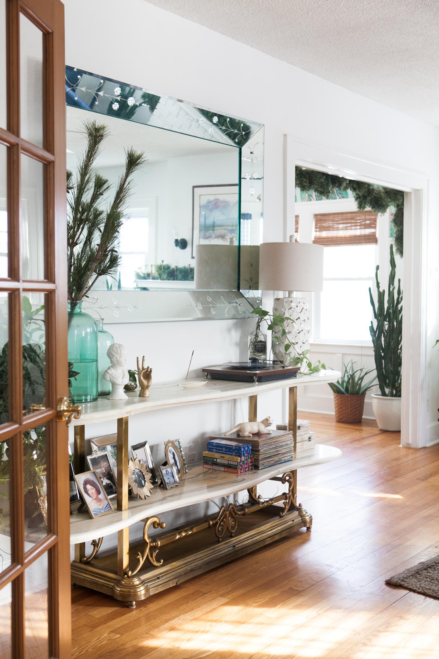 01_LivingRoom-Stylemutt-Home-Tour-Jessica-Brigham.jpg