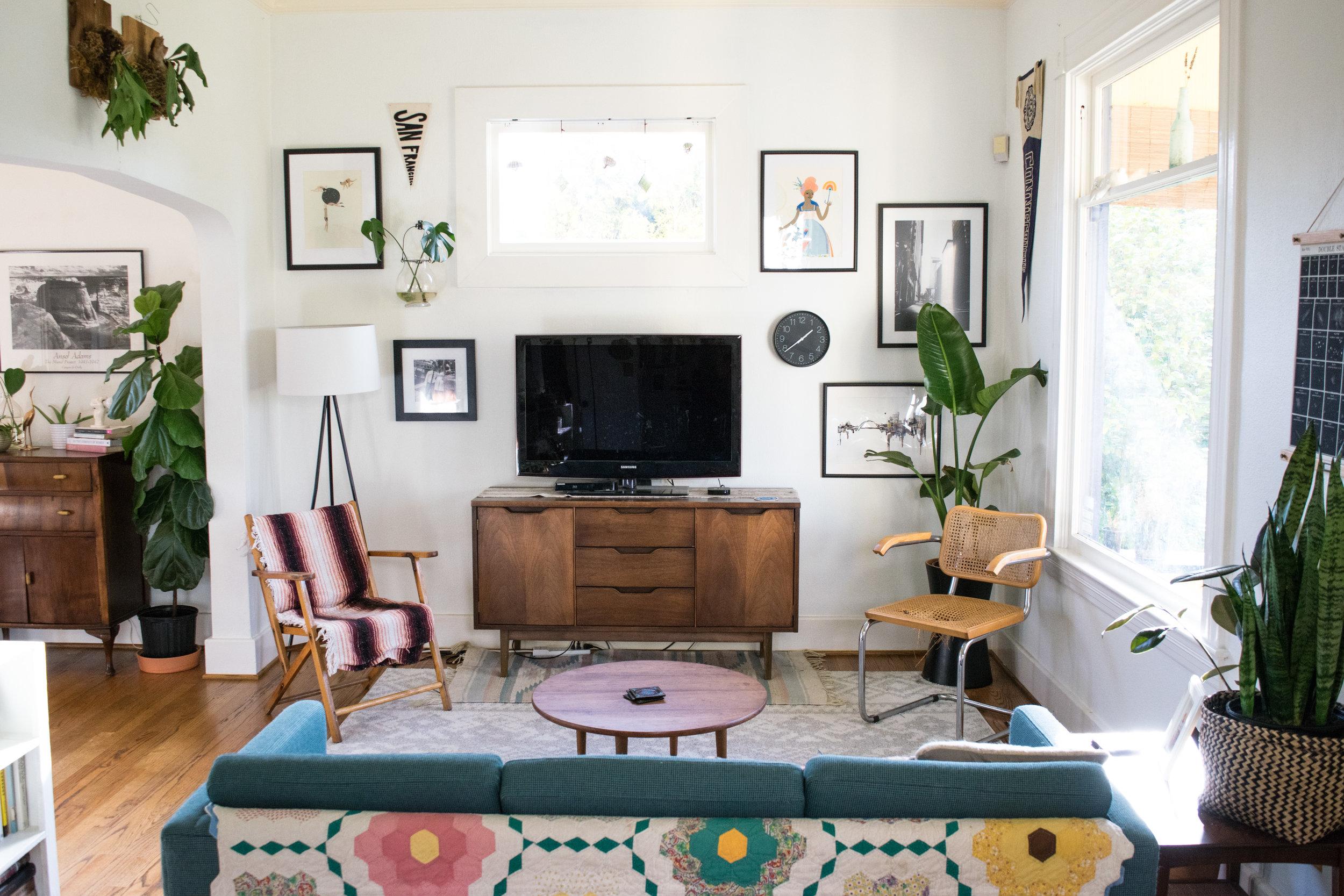 livingroom_gallerywall.jpg