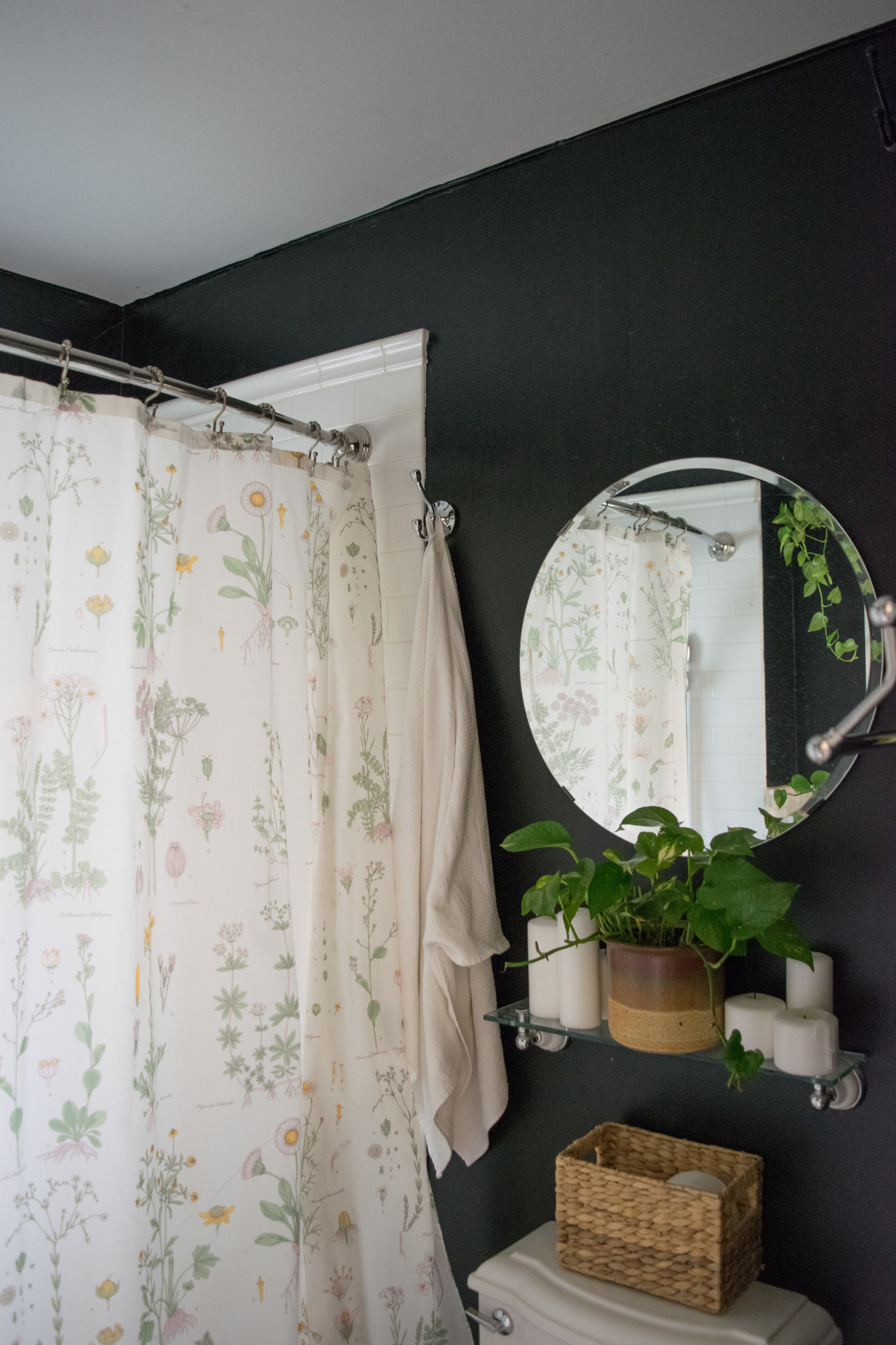 bathroom_mirror (1 of 1).jpg