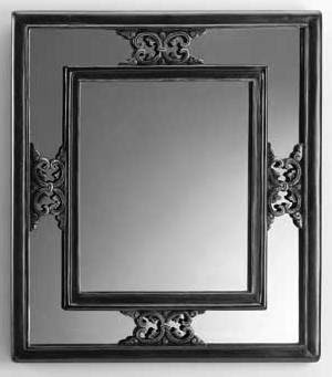 mirror.b.w.jpg