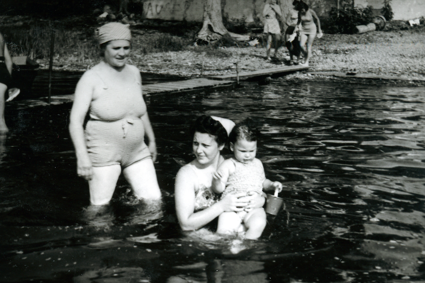 Grandma Fanny, my mother and me, Woodlands, 1940