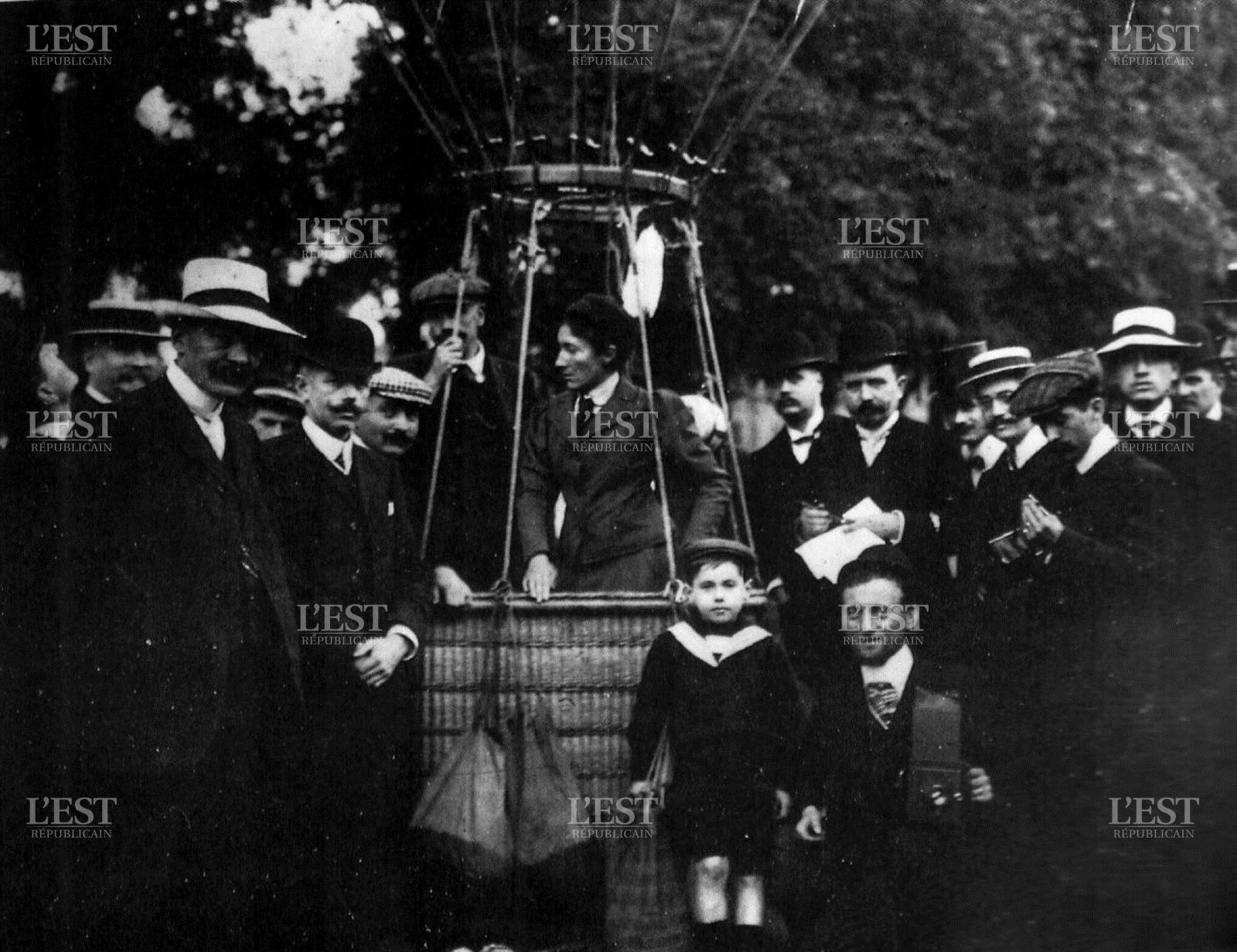 Marie Marvingt as a Balloonist
