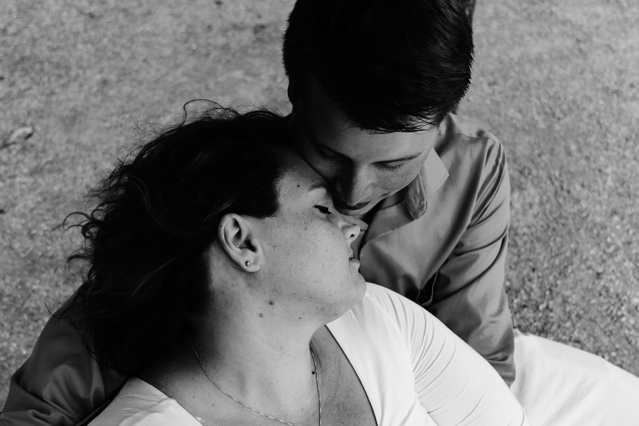 Stunning Maternity session in Vienna with American Expats
