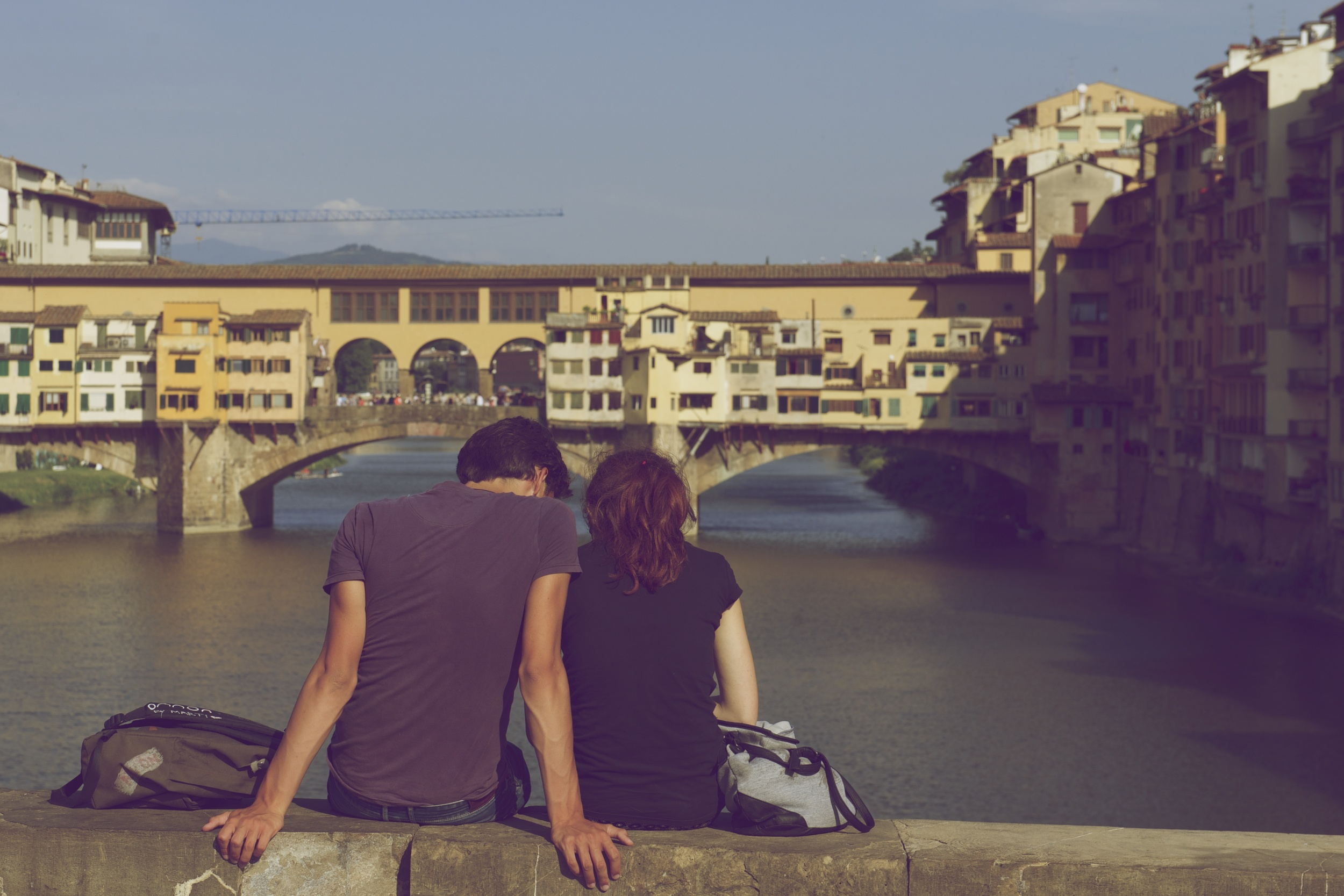 Love is all about cutesy Instagram photos! (Unsplash)