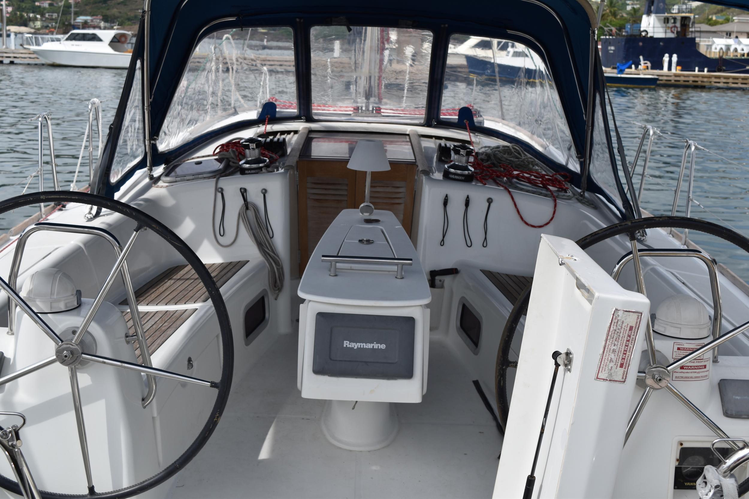 CIT-WIRII Cockpit.JPG