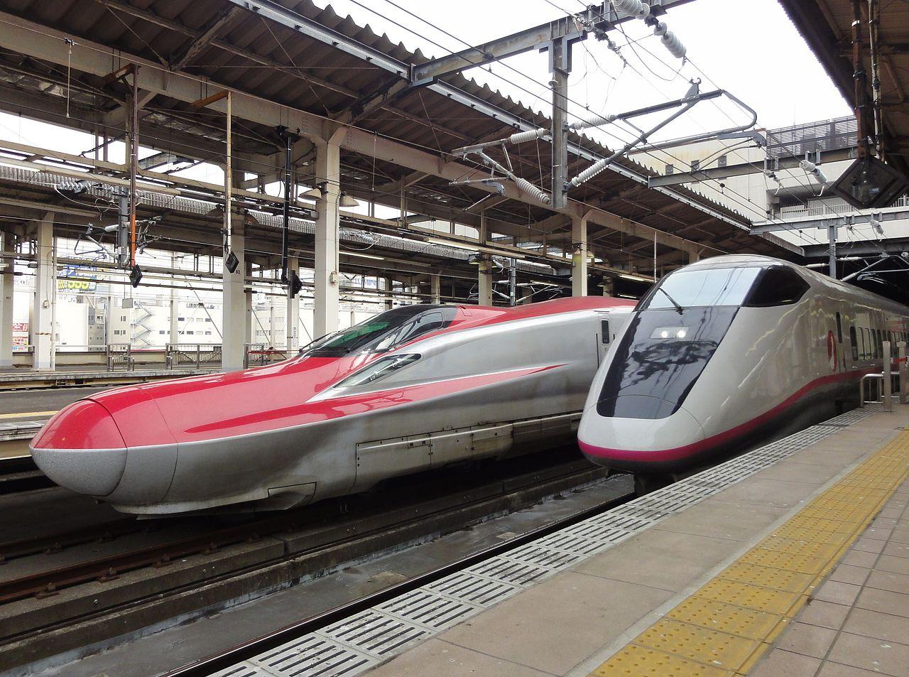 1280px-JRE_E6_S12_E3_R1_omiya_20130320.jpg