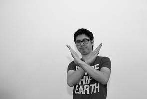 japanese-body-language-gesture-no-good.jpg