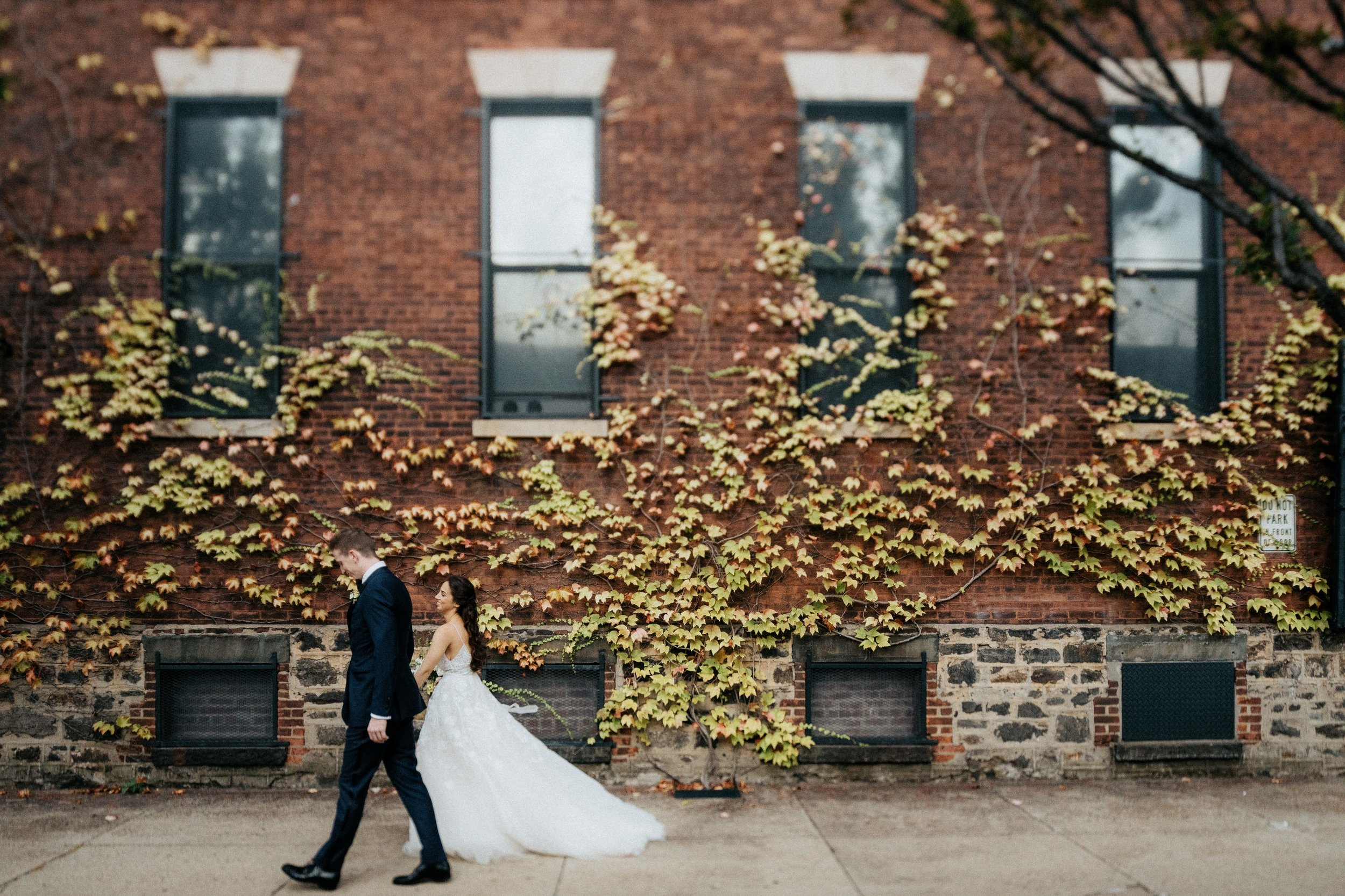 Isabella and will's classically elegant wedding at the foundry in queens