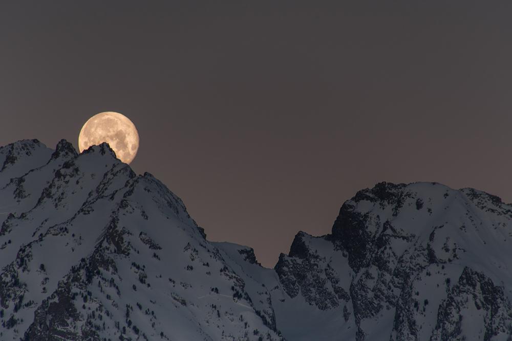 Moonset 011317a copy.jpg