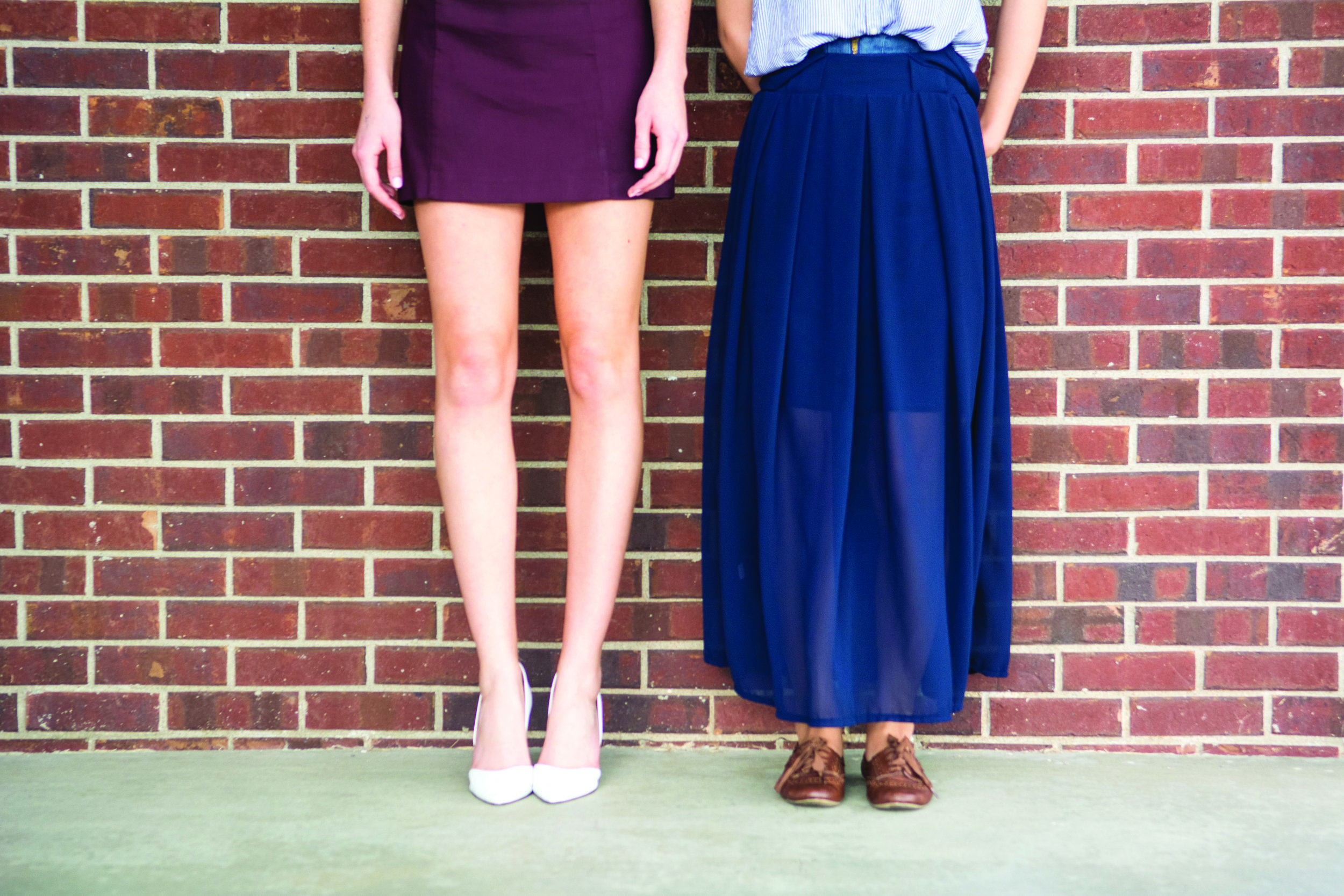 Two students pose to show contrasting styles of dress. | PC: Zach Morrison