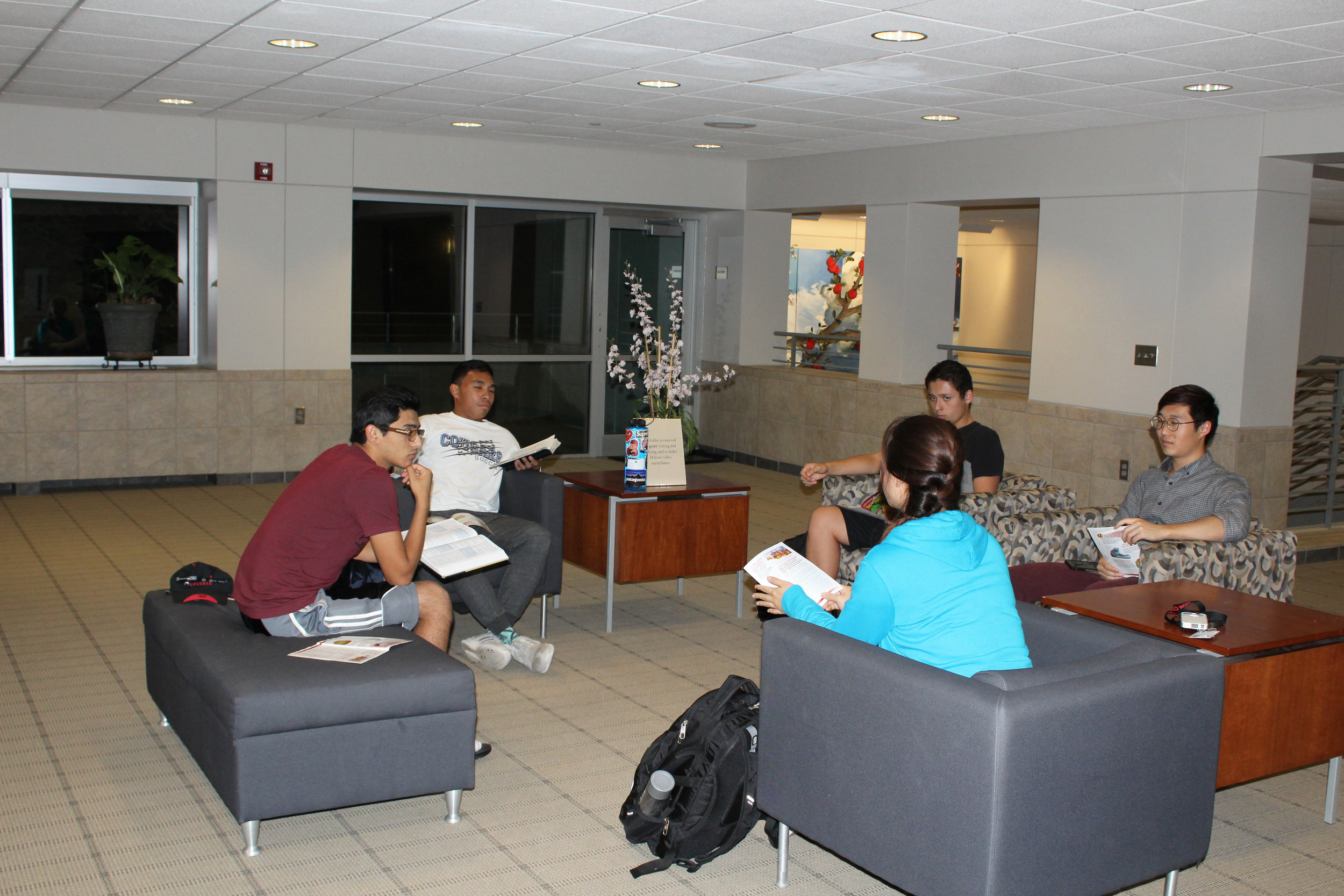 A group of students gather in a small group for Bible study on campus. PC: Kimberly Ortiz