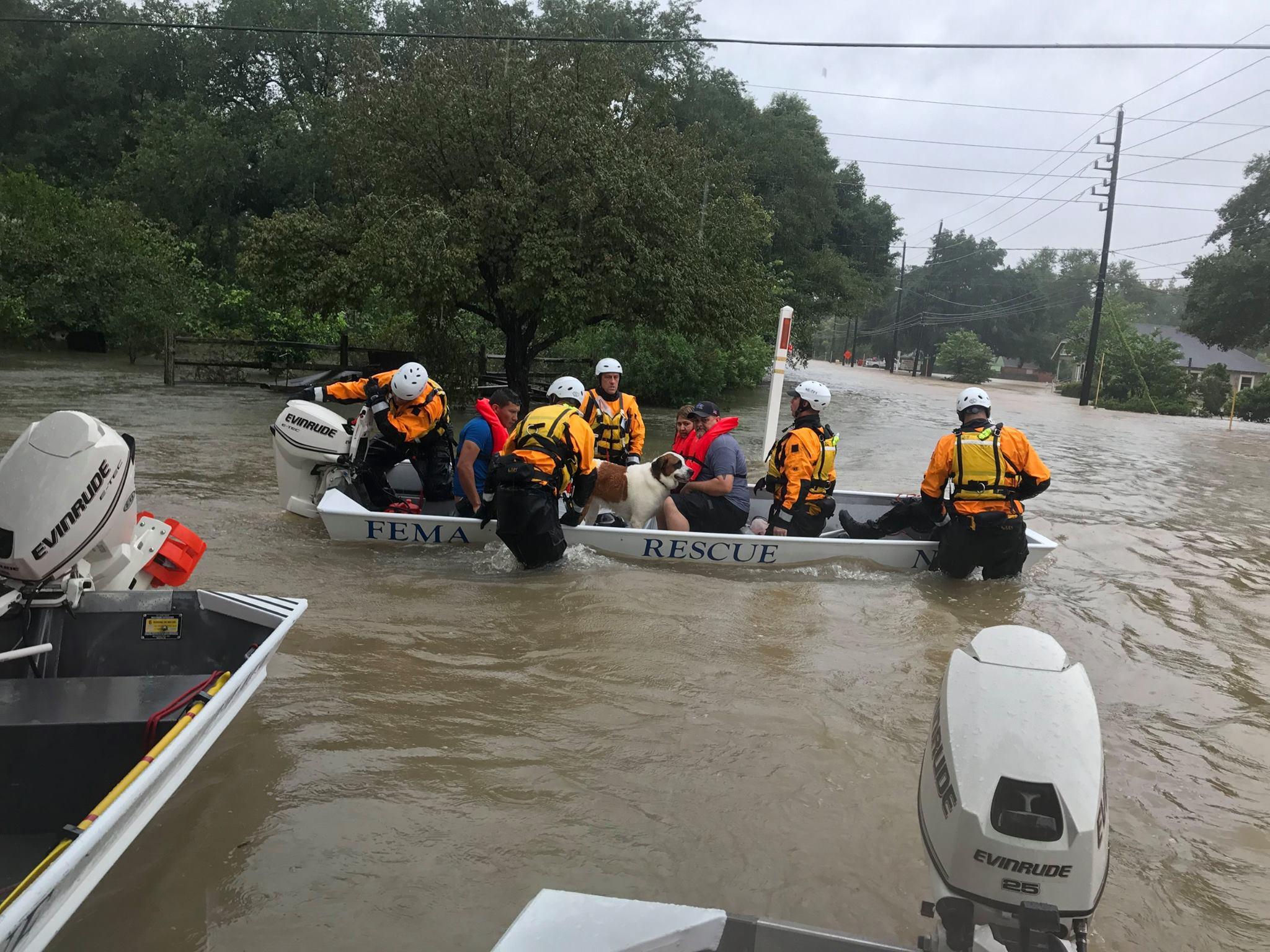 Professionals and volunteers come together to rescue hurricane survivors. PC: facebook.com/nebraskaTF1
