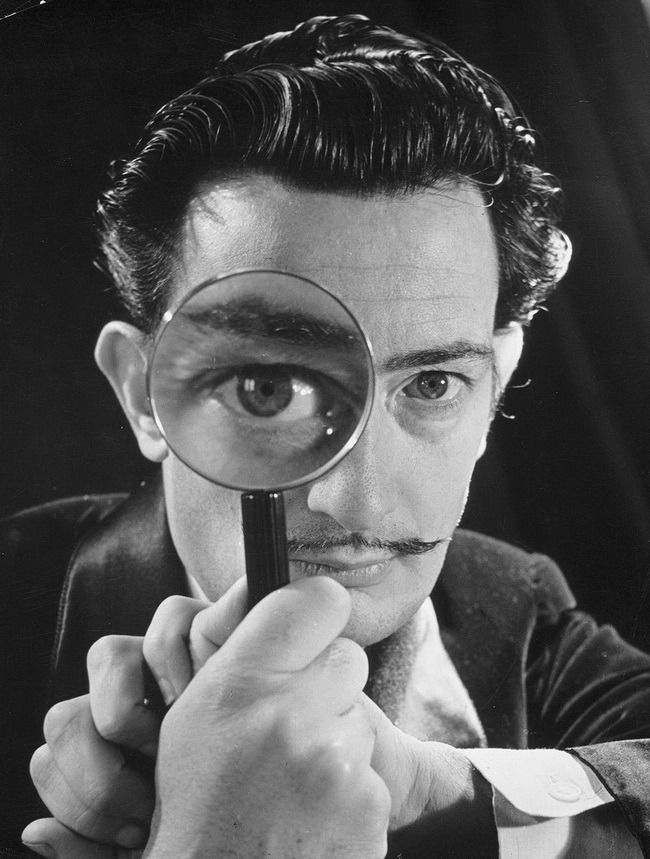 Salvador Dalí Photographed in 1946 | PC: Phillipe Halsman