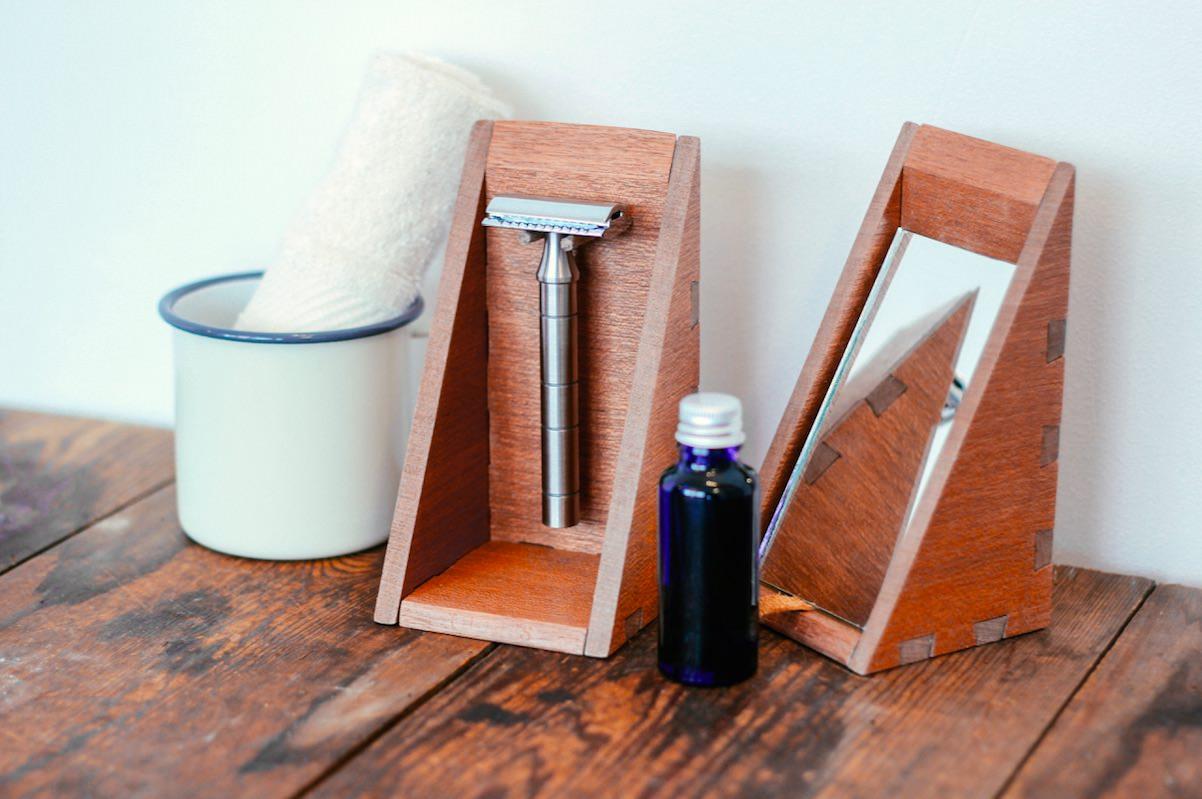 Custom shaving set made by Kim for Thomas Clipper