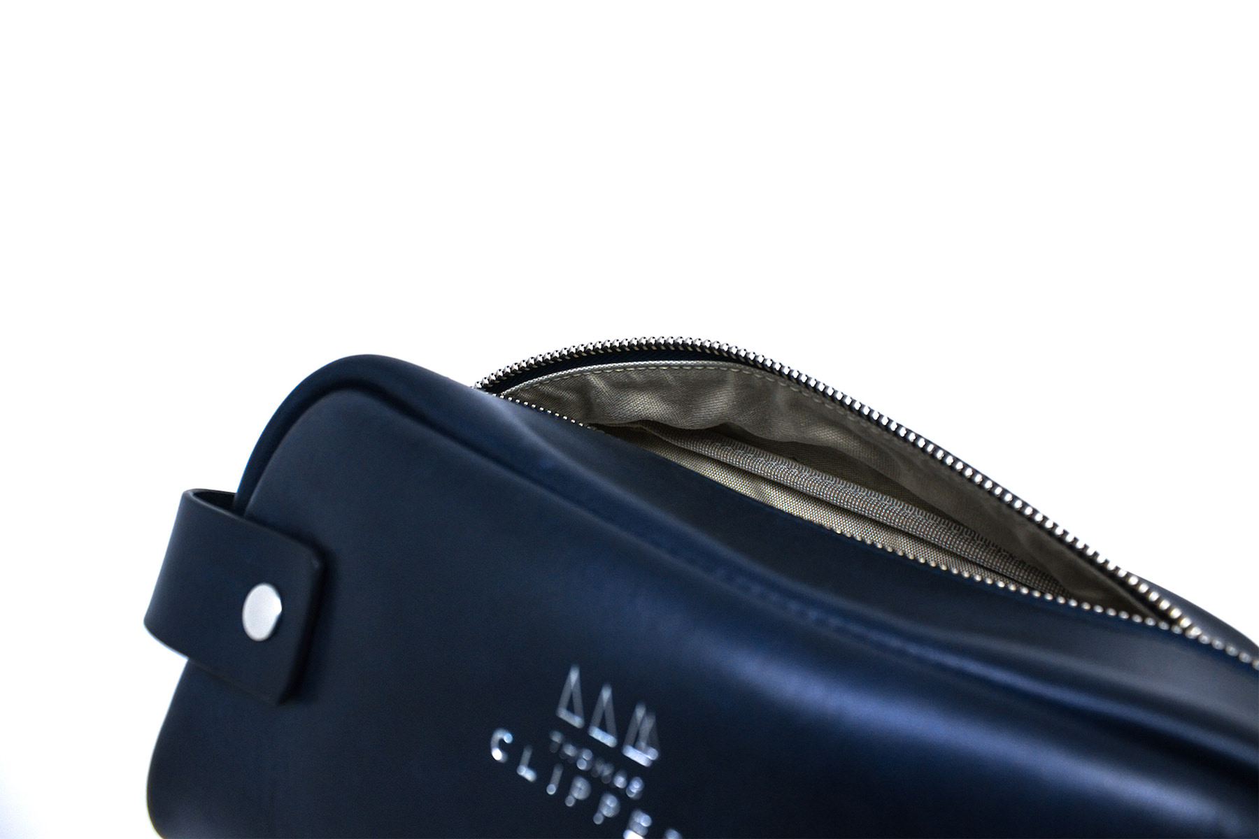 TC_Marine_01Marine Washbag Detail 1.jpg