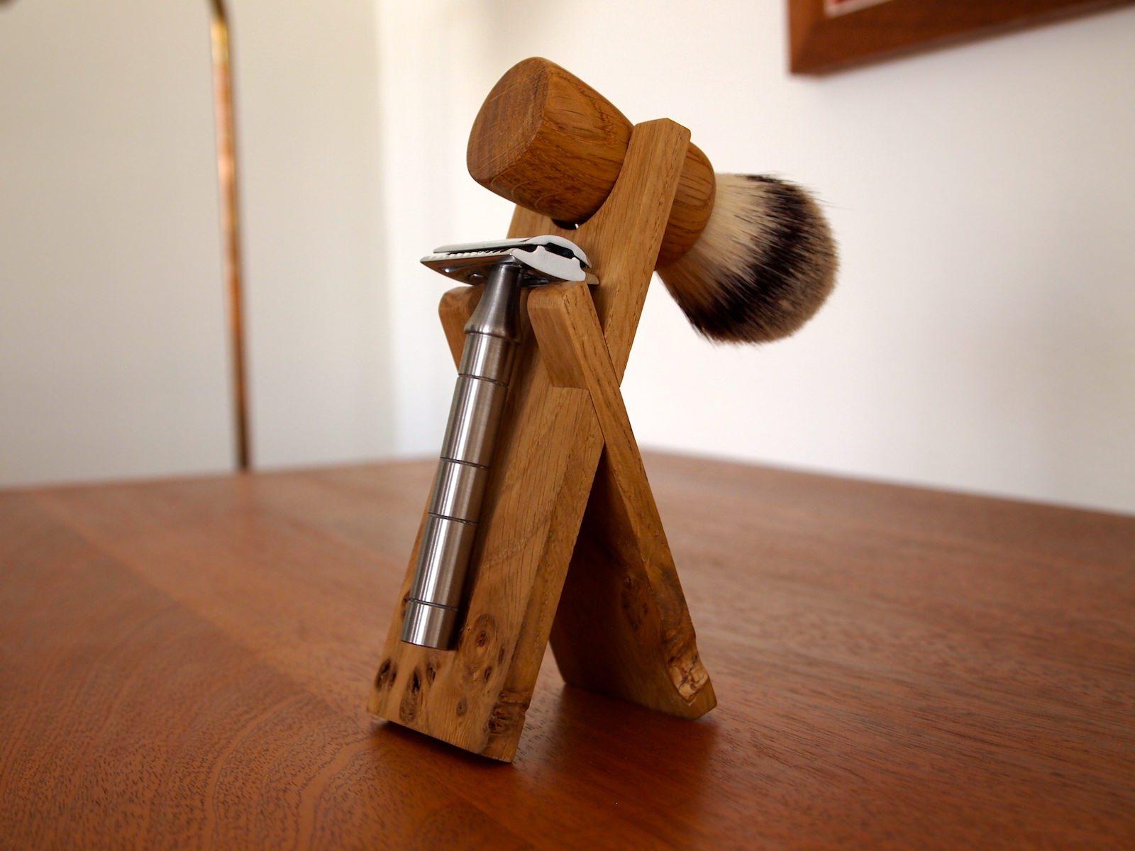 Stand anniversary shaving set desk razor 2.JPG