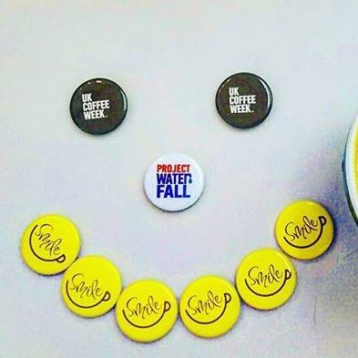 UKCW - 2018 - badges and latte art - @iiikuy_yukiii.jpg