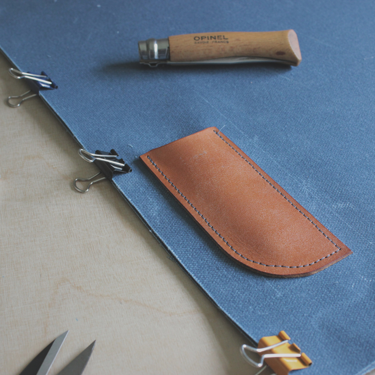 #makeathingaday update... Little leather internal pocket sewn (for your #opinel or other cutting implement). Side seams sewn (although not in this pic!). Seam binding next. Time for a coffee.