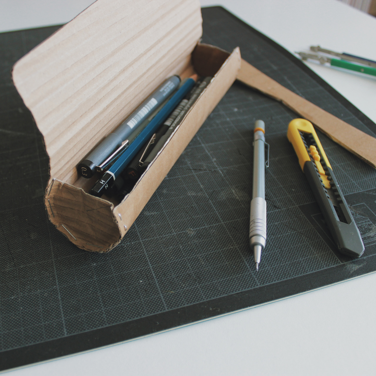 DAY 4 - straight into a cardboard mock-up this morning... hopefully by the end of the day this will be a slim, elegant leather pencil case for one of you lovely folk to win!