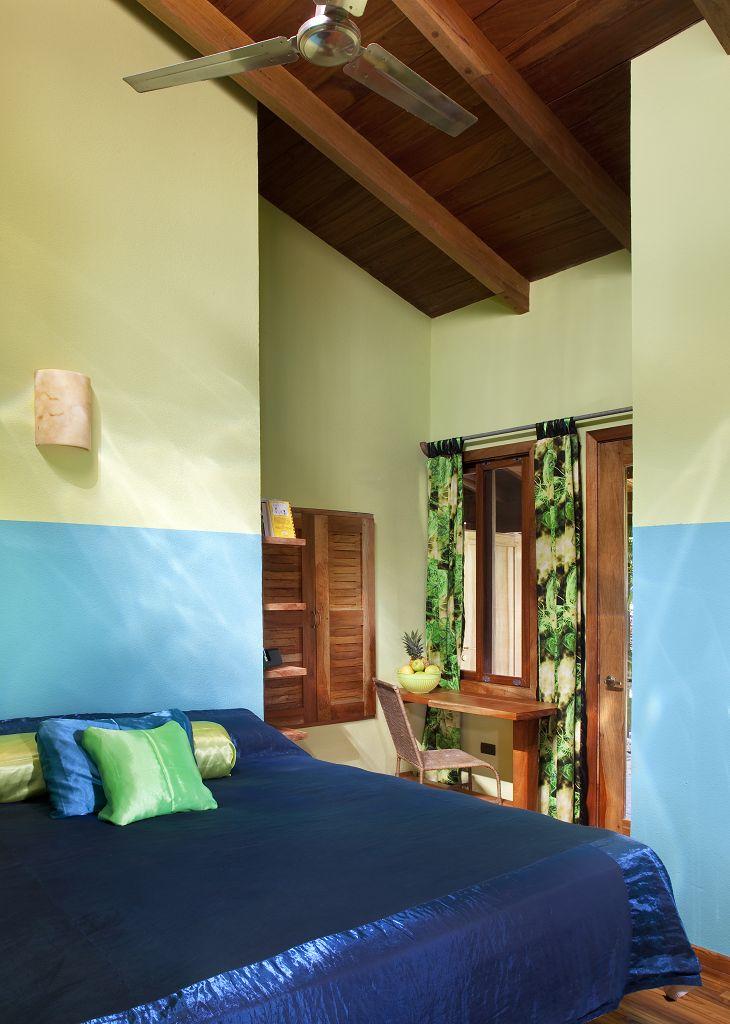 komp-FincaAustria_Casa Colibrì_room-1a.jpg