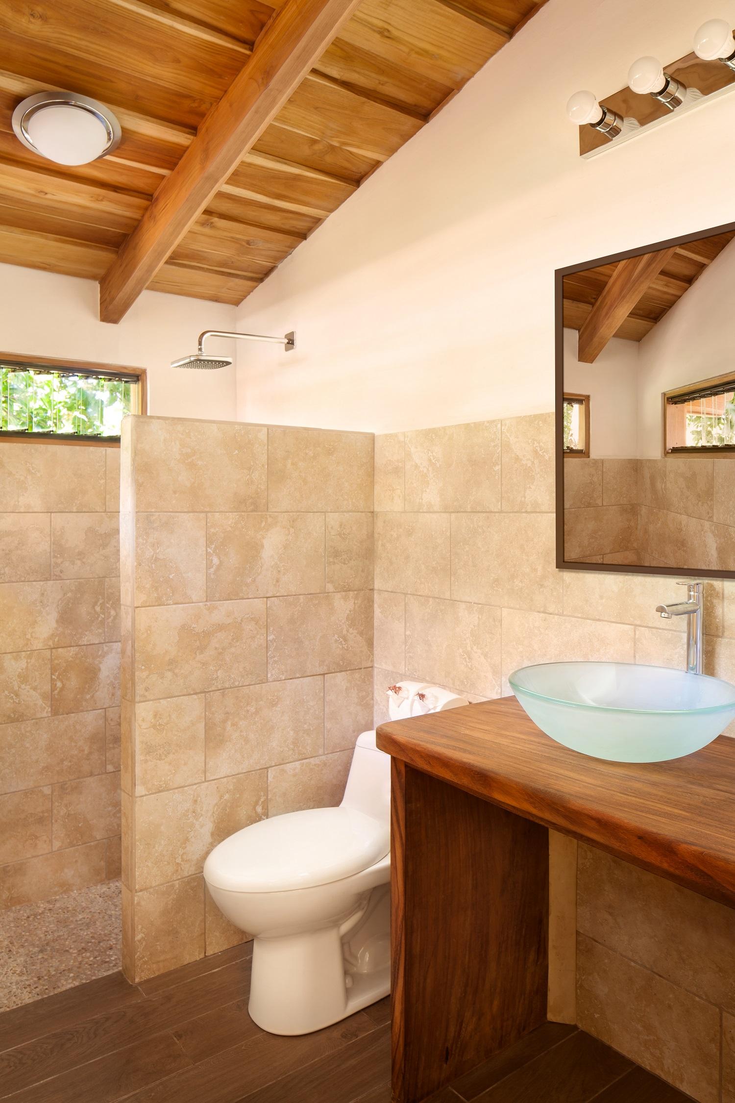 MangoCottage1116_Bathroom02.jpg