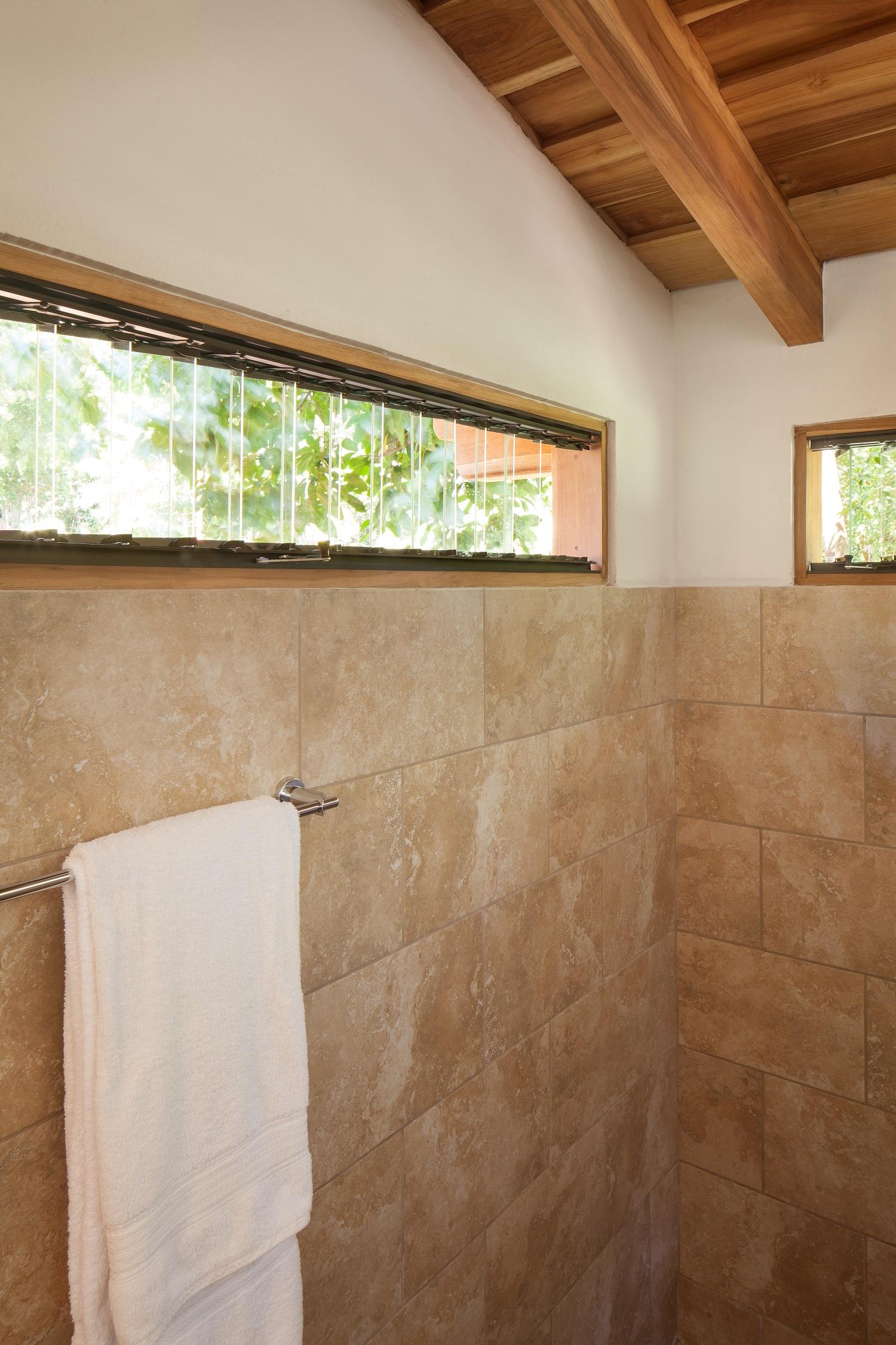 MangoCottage1116_Bathroom03.jpg