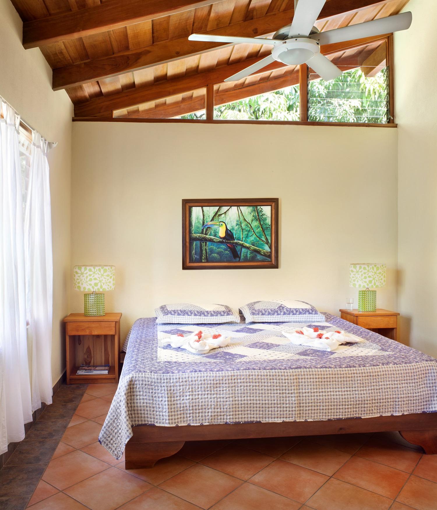 MangoCottage1116_Bedroom01.jpg