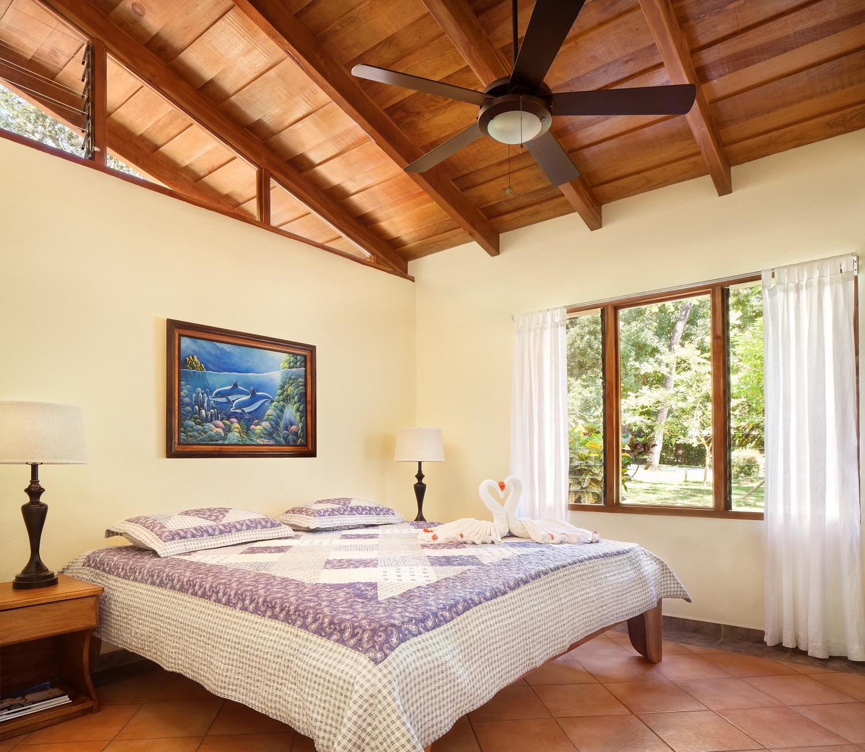 MangoCottage1116_Bedroom02.jpg