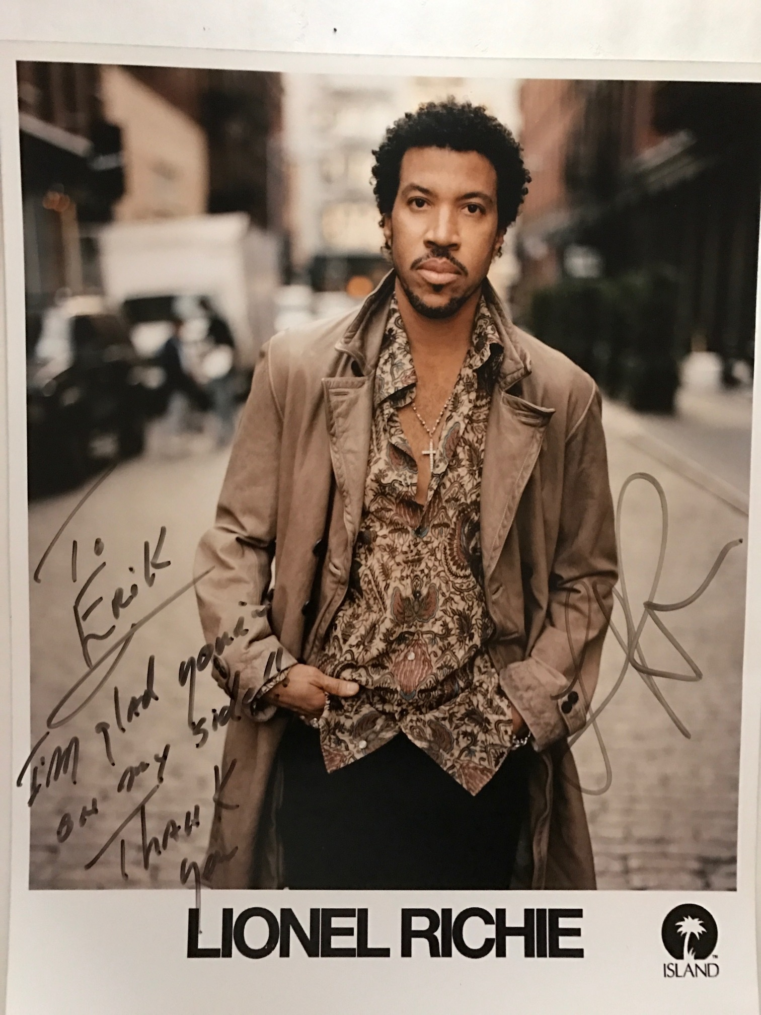 Lionel Richie photo signed.JPG