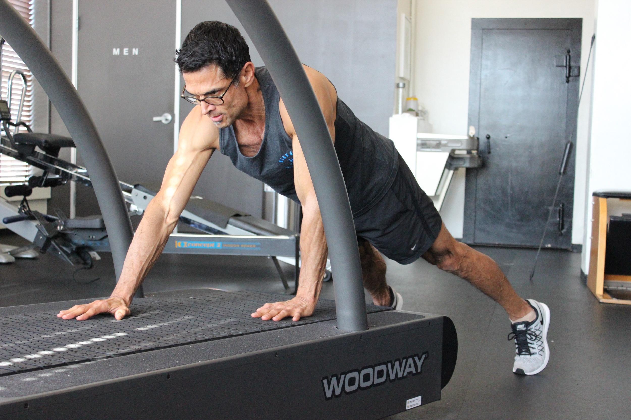 Treadmill_Plank_Walks