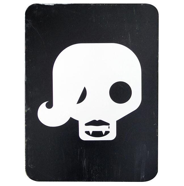skully_rhianna_sq_500.jpg